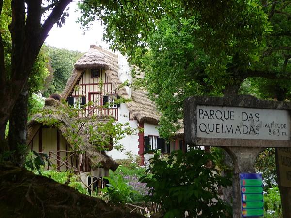 Madeira-Casas-de-Queimadas