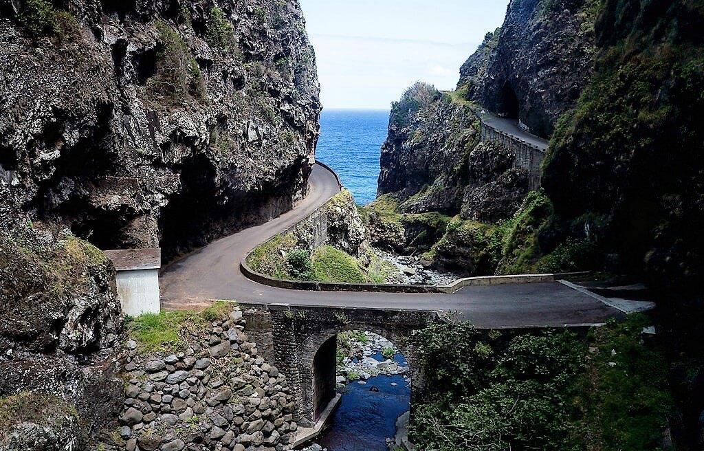 madeira-island-road-ponta-do-sol